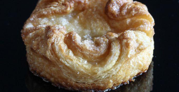 Kouign Amann ou Croissant ao Caramelo Salgado